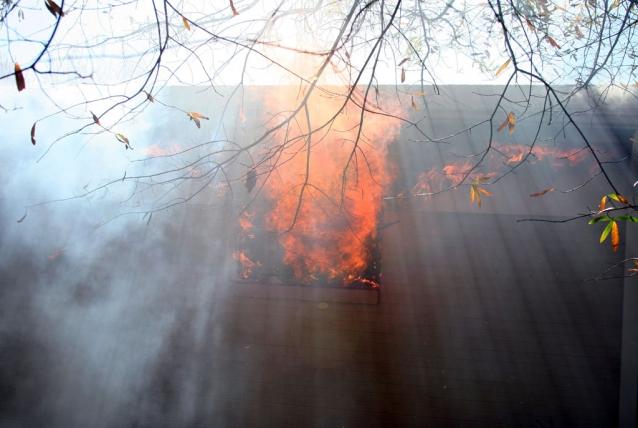 2010-11-28-ridgeway-fire-009